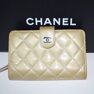 Chanel Matelasse Wallet Patent Leather Vernis
